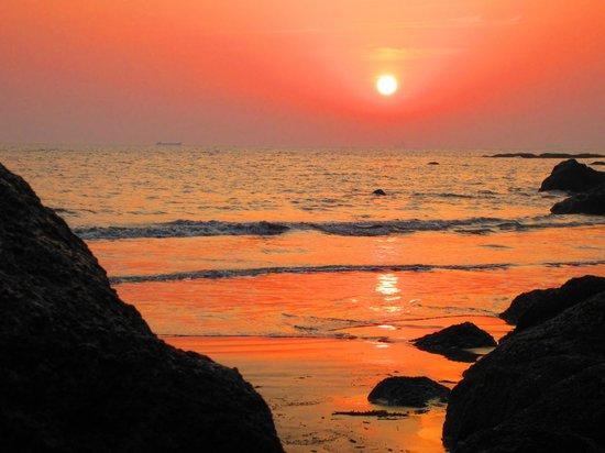O'Pescador:                   Sunset from beach