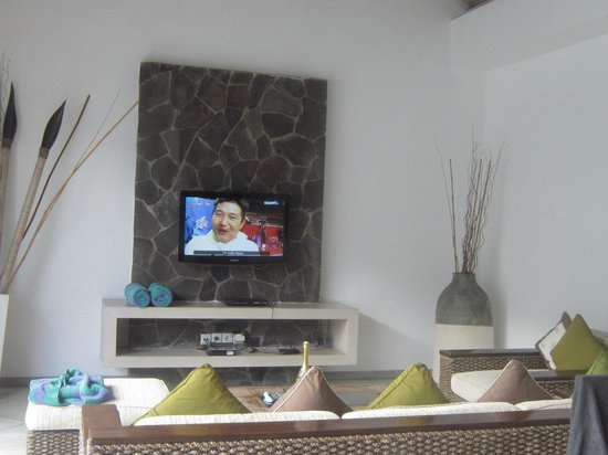 Anakula Villas:                   TV area