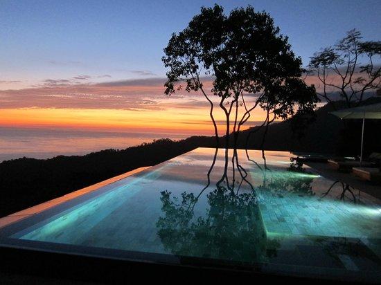 Kura Design Villas Uvita:                   Luxurious salt water pool with under water sound system