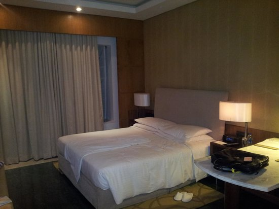 Hyatt Regency Chennai:                   room