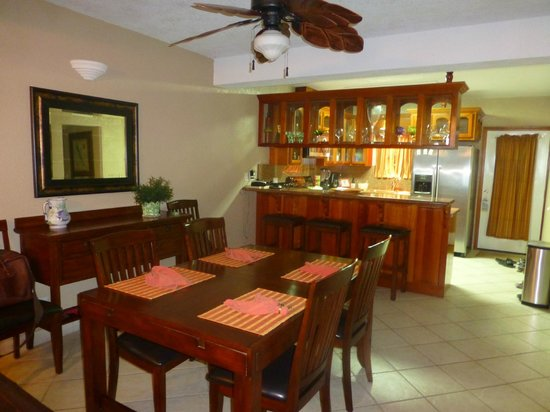 Pelican Reef Villas Resort:                   Dining Room/Kitchen