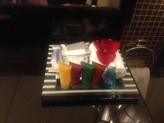 Crowne Plaza Al Khobar:                   bathroom amenities