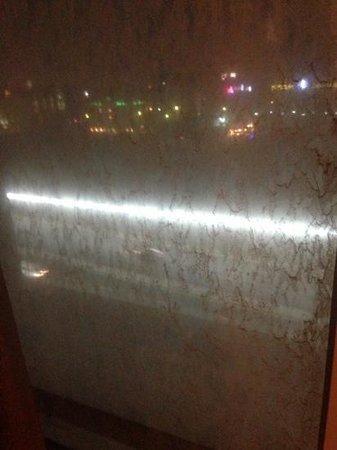 Crowne Plaza Al Khobar:                   dirty windows you can barely see outside