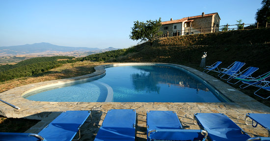 Le Colline Dei Sogni - San Casciano Dei Bagni : The pool and house
