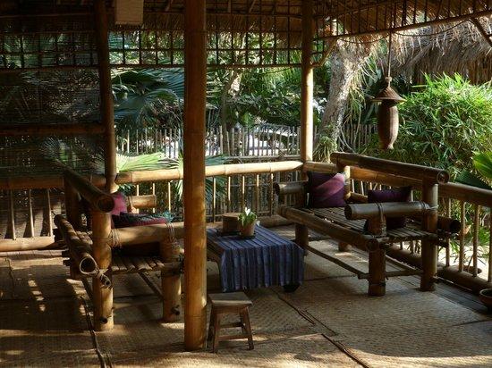 Golden Sunrise Hotel: Reception area