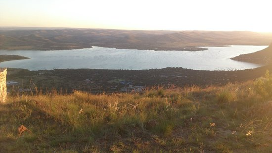 Aerial Cableway Hartbeespoort: Sunset View of the Dam