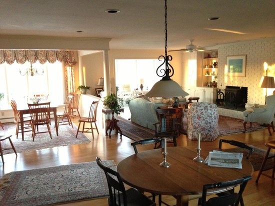 Willey's Farm Bed & Breakfast:                   Living room