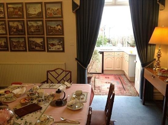 The Town House:                   the breakfast room