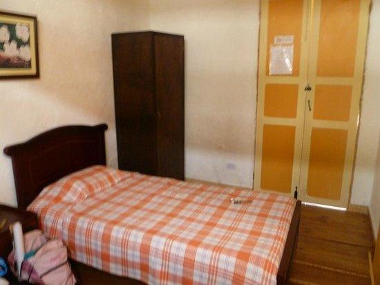 Ciudad de Segorbe Hostel Salento :                   Bedroom, 2 twin beds, lower floor