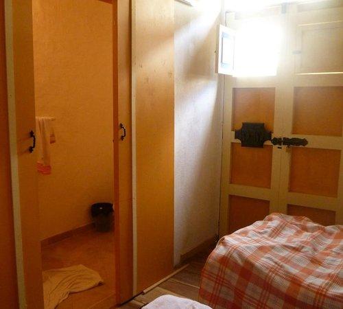 Ciudad de Segorbe Hostel Salento :                   Bathroom_Bedroom on lower floor