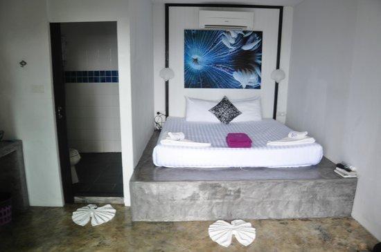 THE BAY Resort & Restaurant: Room (sea front terrace)