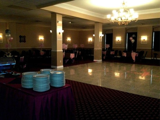 Marianna's Restaurant and Banquet Center: Our Marble Dancefloor.