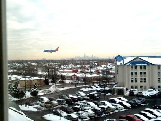 Marriott Chicago Midway :                   Southwest planes come in a little low here!