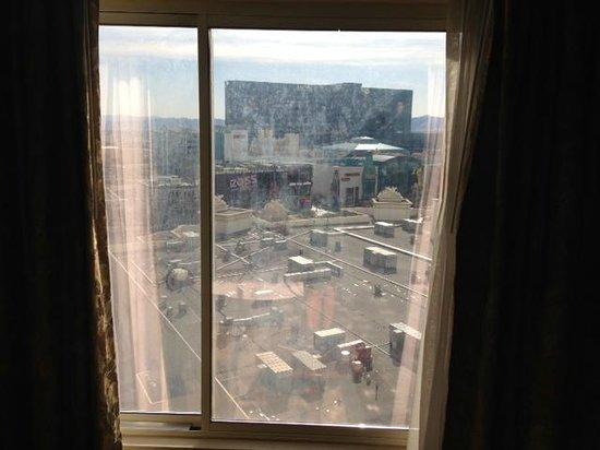 Monte Carlo Resort & Casino :                   Dirty windows