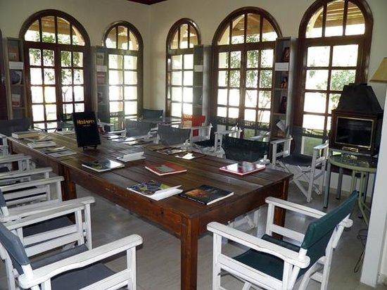 T'Alonaki: Library