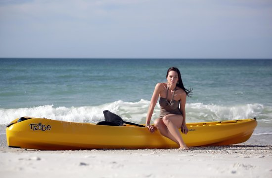 Silver Surf Gulf Beach Resort: Rent jetski's, catamarans or paddle boards on Silver Surf's Beach