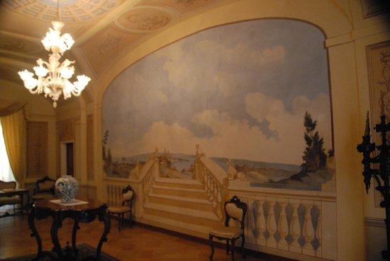 Hotel Palazzo Brunamonti: il salone affrescato