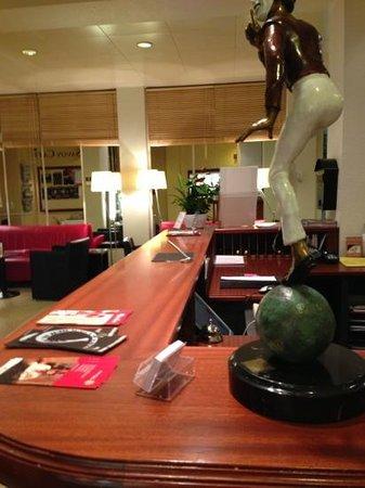 Hotel Savoy Bern:                   recepción