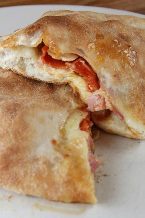 Sal's Italian Restaurant & Pizzeria: Cannolis