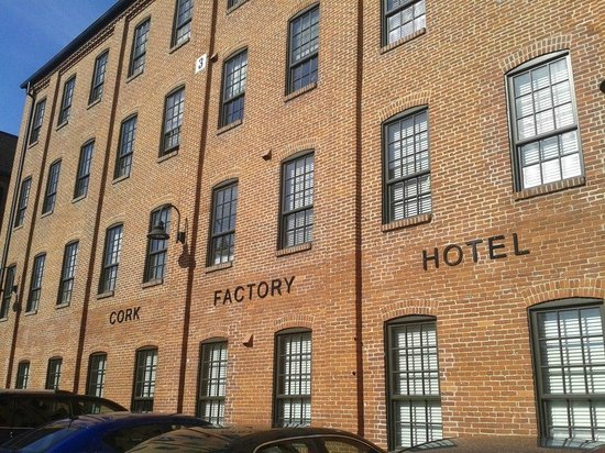 Cork Factory Hotel:                   The hotel