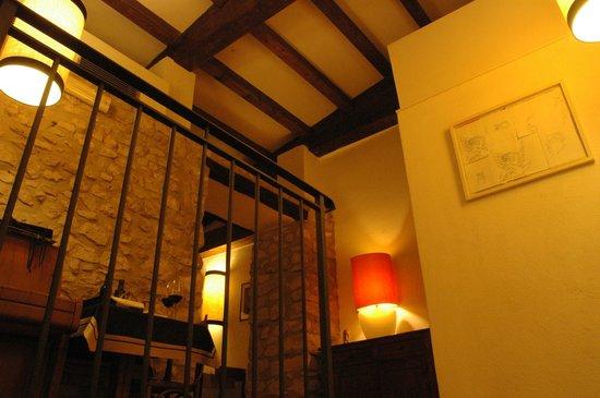 Locanda del Ditirambo:                                     Vista dalla scalinata per accedere alla sala ristorante