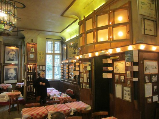 Joseph Roth Diele: Великолепная атмосфера