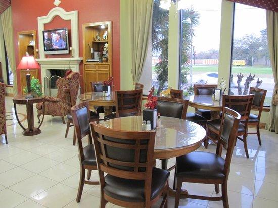 Americas Best Value Inn & Suites-Alvin/Houston:                   Breakfast area