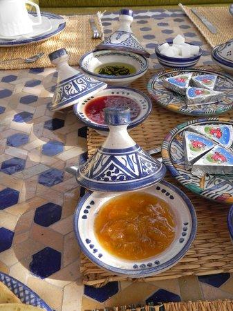 Riad Laayoun:                   a colazione