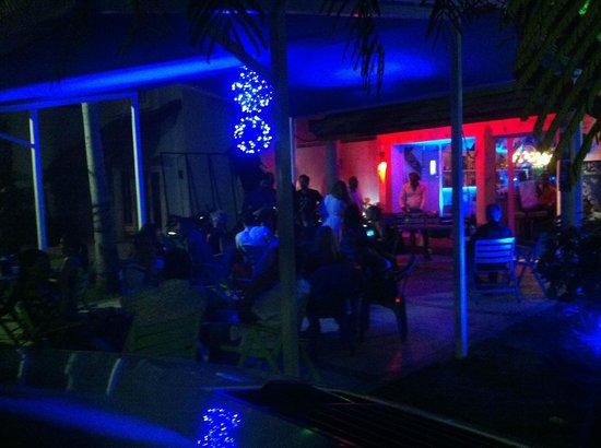Liqui2 Liquid Lounge