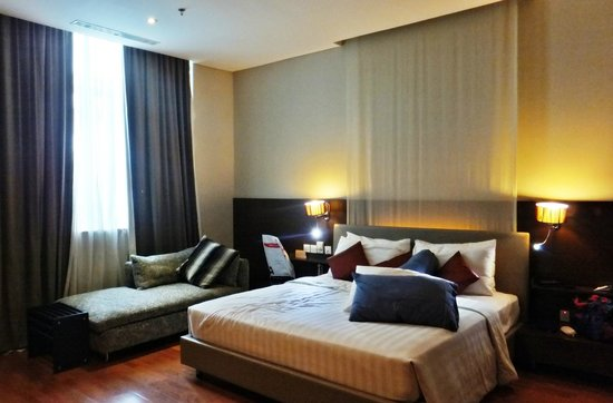 Novotel Jakarta Mangga Dua Square: Bed room in Executive suite room on 8th floor