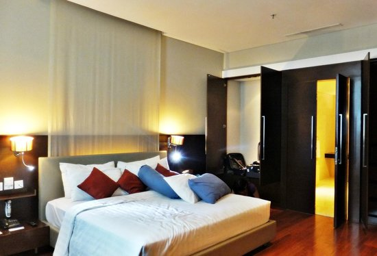 Novotel Jakarta Mangga Dua Square: The bedrom in executive room on 8 th floor