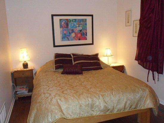 Serenade House Bed & Breakfast