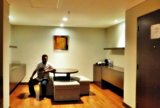 Novotel Jakarta Mangga Dua Square: The dining area in executive room on 8th floor