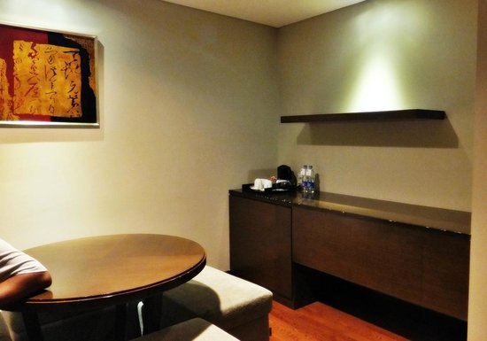 Novotel Jakarta Mangga Dua Square: Dining area in executive room on 8 th Fl