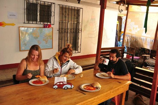 A Place to Stay Hostel: Desayunando huevos a la Mexicana