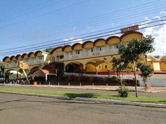 Santo Antonio da Platina: FACHADA FRONTAL