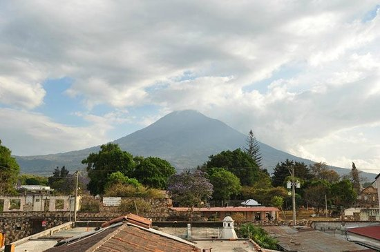 A Place to Stay Hostel: Volcán de Agua desde la terraza