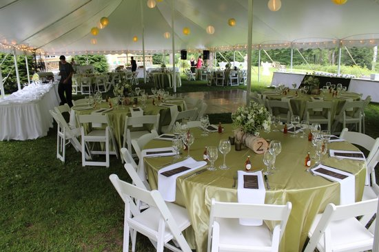 Breakfast on the Connecticut: On-site wedding