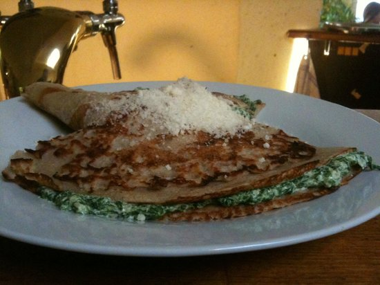 Spolek: Pancake with spinach and ricotta