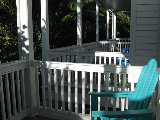 Parrot Key Hotel and Villas: Porches