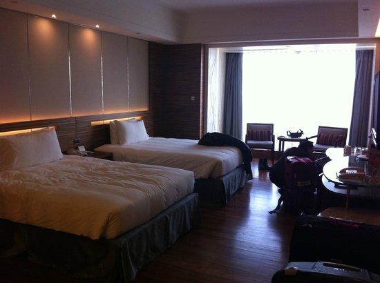 L'hotel Nina et Convention Centre:                   Bedroom
