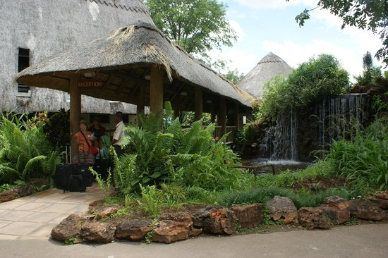 A'Zambezi River Lodge:                   Hotel entrance