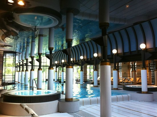 Victoria Jungfrau Grand Hotel & Spa:                   main pool