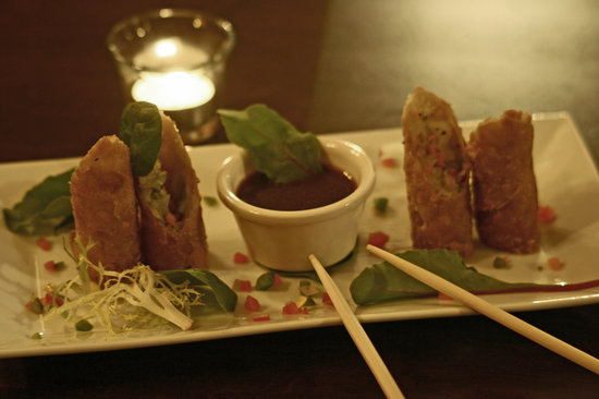 Broadway Grille: Asian Spring Rolls