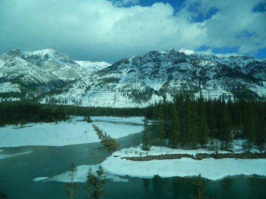 Discover Canada Tours:                   Rockie Mountains