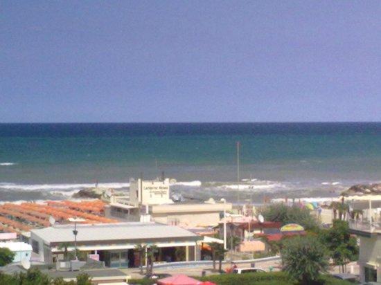 Hotel Cristallo:                   camera con balcone lato mare