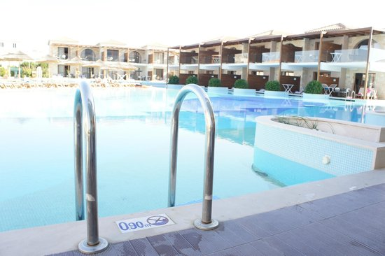 Holiday Village Rhodes:                                     Pool Area