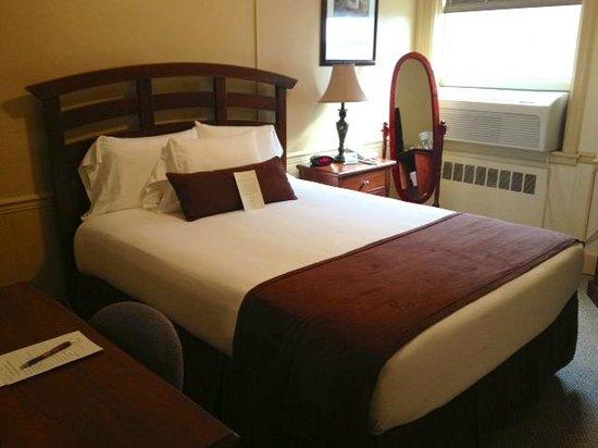 Genetti Hotel - Williamsport: Traditional Queen