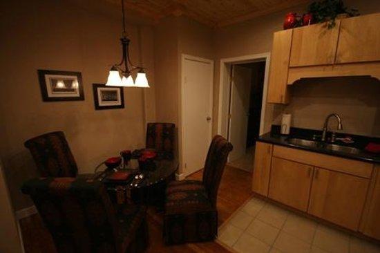 Genetti Hotel & Suites: Apartment
