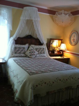Room at Ambrose Bierce House